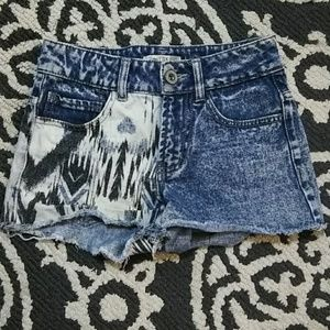 NWOT lovefire shorts!!